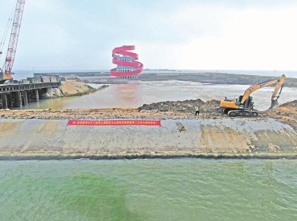 苏锡常南部高速太湖隧道马山段第一仓顺利回水
