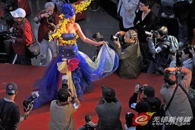 """家居港杯""""新娘形象设计现场摄影大赛,让市民感受到近在咫尺的明媚春光"""